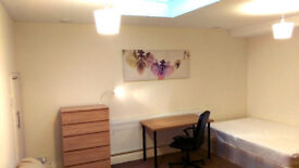 Large double room in Hendon Central