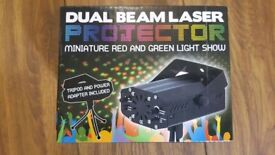 Dual beam laser projector, red and green laser