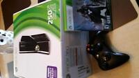 **GREAT DEAL XBOX 360 & 8 GAMES**
