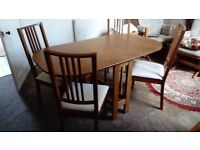 Dining table & 4 chairs 2 drop leaves 58in x33in