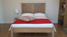 CLEAN DOUBLE ROOM FOR RENT IN SEVEN KINGS ILFORD - CALL NOW FOR A VIEWING