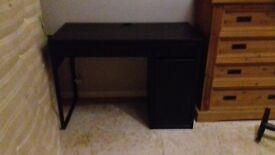 Black Ikea Desk VGC