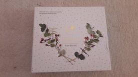 Cracking Xmas Gift -Brand New Liz Earle Bright Eyes Boxed Gift Set