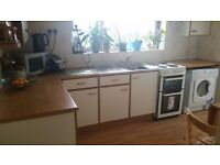 FREE KITCHEN AND WORKTOPS