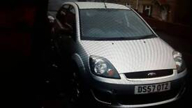 Ford faesta style