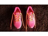 NEW ADIDAS TRAINERS SIZE 6.