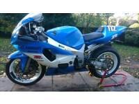Gsxr 600 k3 race bike v5 mot