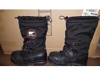 Sorel Glacier XT Boots Size 9 UK