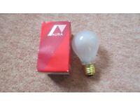Aura Long Life 40 Watt Matt E-27 Screw Fitting Light Bulb