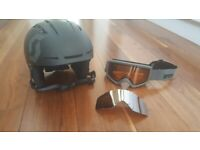fb30633f0c49 Scott ski snowboarding helmet and compatible Anon goggles.