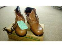 Brand new boxed workmans Brown Steel toecap boots