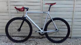 High spec Fixed Gear bike (Size Large/59cm)