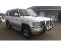 Isuzu trooper Bighorn 3.1 automatic jeep 7seater