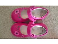 Brand new girls clark's softly jam fst shoes in pink, size 5 1/2 E