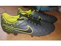 Nike tiempo size 8.5 football boots