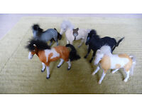 Horse and Pony Lovers! Set of toy ponies