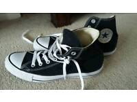 Woman's size 7 converse trainers