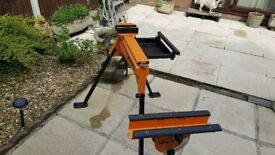 Triton superjaws with support stand and tool tray ..