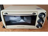Scotts of Stow mini oven and grill. Excellent condition