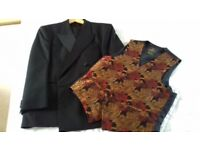 "Gents Dinner Suit and Waistcoat 38"" chest"