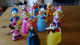 MICKEY MOUSE CLUBHOUSE AND DISNEY PRINCESS FIGURES APPROX 5 INCHES IN HEIGHT GOOD/C