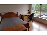 Spacious 3/4 Bedroom Maisonette Flat To Rent In Mile End, Close To Mile End Station & Mile End Park