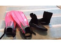 'Tusa Liberator' scuba diving fins and wet suit booties