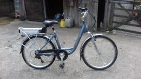 Electric bike Claude Butler Glide 1