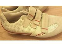 UNUSED Levi's ladies/women's trainers/sneakers- worth £70