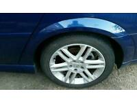 Vauxhall 17in sri alloys.......they need 3 tyres