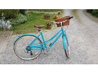 Electra Loft 7D - Style Ladies Bike & Accessories **Bargain Price**