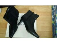 Dorothy perkin boots size 6