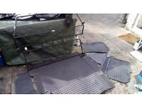 DISCOVERY 4 DOG GUARD KIT WITH DOG MATS AND FULL SET OF WATERPROOF SEAT COVERS