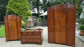 Free to collector Wadrobe dresser set.
