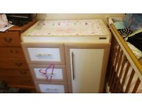 mamas and papas changing table barely used but need space in perfect condition
