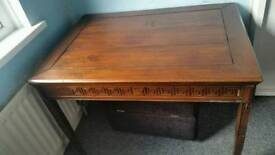 Vintage occasion / window table