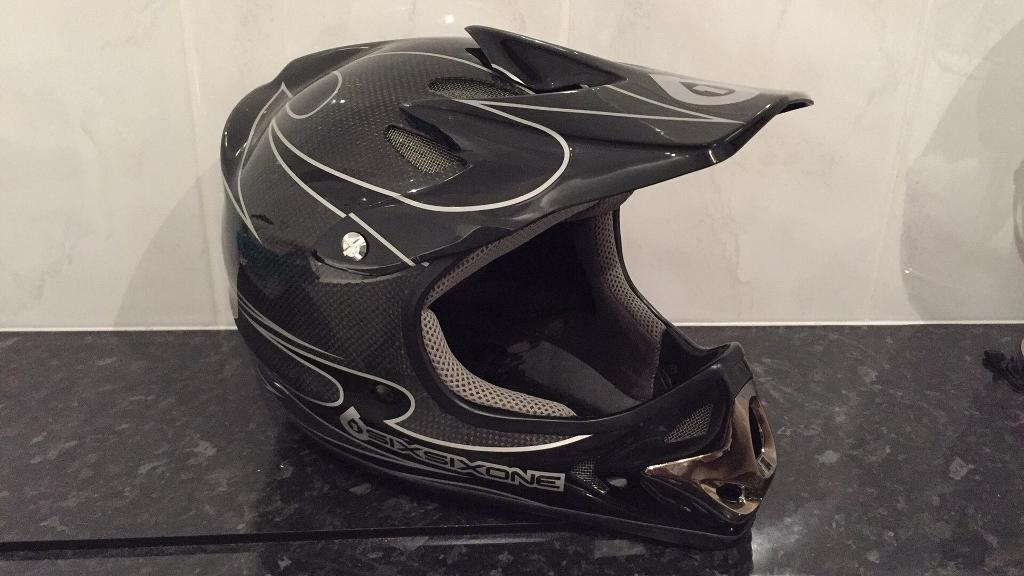 Six Six One Pro Bravoin Seaford, East SussexGumtree - Six Six One Pro Bravo full faced bike helmetFully Carbon FibreHardly been used and in excellent condition!Please ask any questions