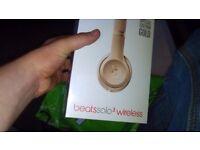 Beats solo 3 wireless £220.00