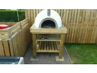 Woodfired outdoor oven, wood fired pizza oven. 830mm internal diameter.