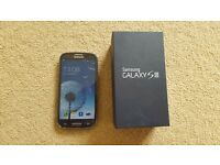 Samsung Galaxy S3 Boxed Unlocked Blue+8gb+Creen Protector`s