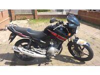 Yamaha YBR 125, 2013 reg (63), Excellent Condition. 6500 miles . 11 month MOT. Yamaha YBR125