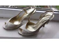 Ladies Beige Sz 5 Shoes Heels