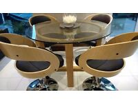 Glass oak table an chairs ( new)