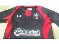 Youth Wales Rugby Top size Small
