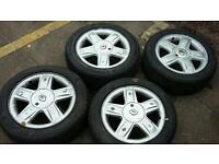 Renault clio alloys with 4 new tyres