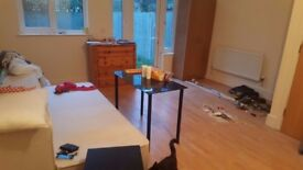 ROOM WITH PRIVATE GARDEN IN ISLINGTON AREA!!! CALL NOW AND RESERVE IT