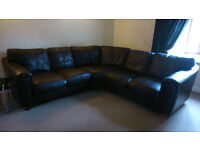 """Large Good Quality Black Leather Corner Settee / Sofa (approx 86"""" x 86"""")"""