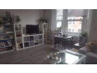 Double room available in modern 2 bed flat share