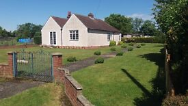 LARGE 2 BEDROOM BUNGALOW TO LET - HITCHIN.