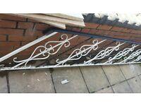 Free metal banister